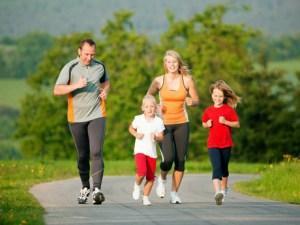 Картинки по запросу совместные занятия спортом детей и родителей